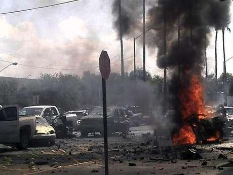 El pasado vienes el cirmen organizado explotó un coche bomba en Nuevo Laredo.