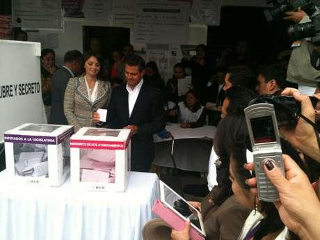 Enrique Peña Nieto votó entre reclamos y rechiflas de un grupo de manifestantes en Atlacomulco.