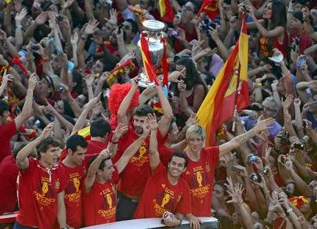 Todo fue una fiesta y los jugadores disfrutaron de cada momento en el recorrido triunfal por las calles de Madrid