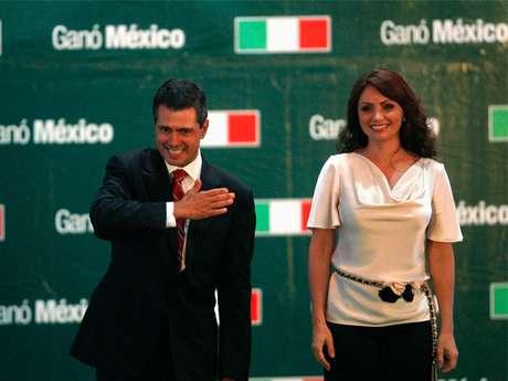 Enrique Peña Nieto junto a su esposa Angélica Rivera.