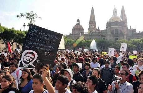 En Guadalajara, el contingente también se sumó a las protestas contra el virtual Presidente Enrique Peña Nieto.