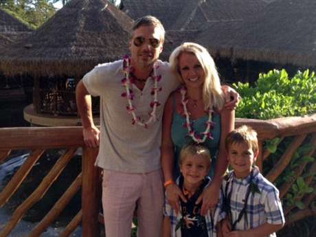 Britney Spears vacaciona en Hawaii antes de 'X Factor'.