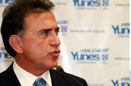 Las cuentas en los ingresos de Yunes respecto a sus bienes no cuadran. Por su estancia frente al ISSSTE, habría obtenido poco más de 14 millones de pesos.
