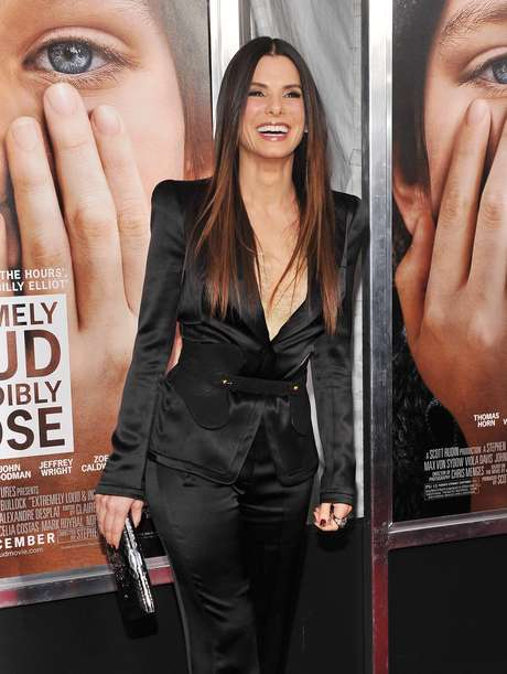 "Sandra Bullock is not a fan of surgery rooms to improve her physical appearance. The Oscar winning actress has one of the weirdest beauty treatments: she says that hemorrhoids cream helps combat wrinkles, crow's feet and dark circles. But come on Sandra, we all saw ""All About Steve"" and your face had more than hemorrhoids cream."