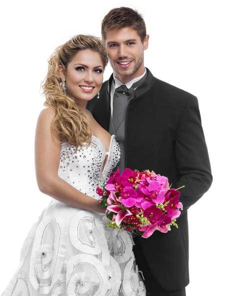 Jonas e Renata fotografaram vestidos de noivos para revista Noivas