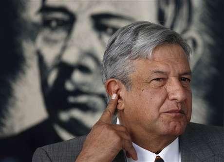 López Obrador presentará ante el IFE, su denuncia por irregularidades en las elecciones presidenciales mexicanas.