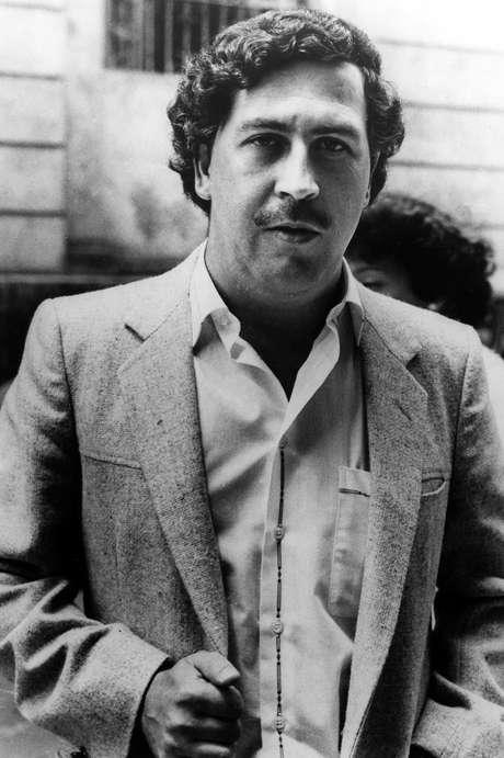 """El capo colombiano de la droga Pablo Escobar en Medellín, en una foto de archivo de 1984. Un serie colombiana sobre Escobar, """"Escobar, el patrón del mal"""", se transmite a partir del lunes 9 de julio del 2012 en Estados Unidos por Telemundo."""
