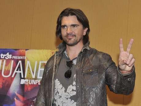 """Juanes anunció en una rueda de prensa su gira """"Juanes Unplugged Tour"""" con la que recorrerá gran parte de México en los próximos meses."""
