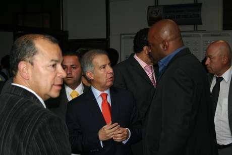 De acuerdo con el abogado Mario Iguarán existen tres planillas de la empresa de seguridad para la que trabajaba José Wilmer Ayola en las que se demuestra que el testigo permaneció en la urbanización Bochica V y VI.