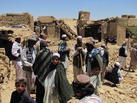 Numerosos residentes de provincias del sur y el este se han quejado de la intimidación por parte del talibán por escuchar música o canciones que estos consideran vulgares.