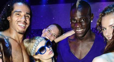 Mario Balotelli and Paris Hilton were partying together in Ibiza.