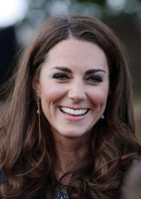 Kate Middleton é uma das responsáveis por popularizar o uso das sobrancelhas marcadas