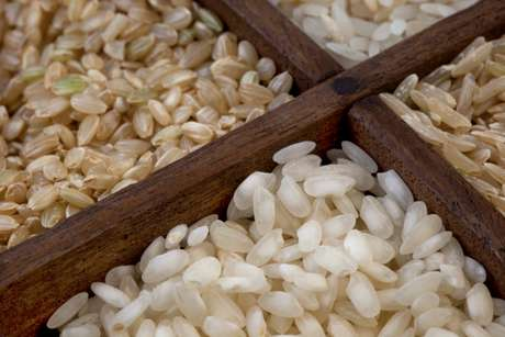 Esse grão é a base das refeições de praticamente metade da população mundial. Presente em tantas culturas gastronômicas, este ingrediente, pra lá de versátil, deixou de ser acompanhamento para tornar-se protagonista de muitos pratos. Mas será que arroz é tudo igual? O Terra explica que não e mostra a diferença entre 13 tipos de arrozes