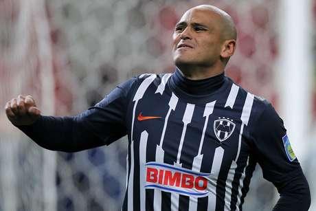 Humberto Suazo and Monterrey's vaunted offense don't scare America's Hugo Gonzalez.