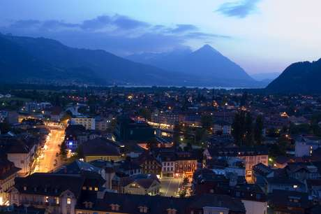 Os trens que saiam da capital francesa iam até Berna, a capital da Suíça. Agora, irão até Interlaken