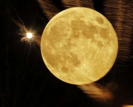Uno de los lugares que más fascina a los seres humanos no queda en el planeta Tierra. Se trata de la Luna, nuestro único satélite natural. Pero, ¿por qué tanto interés en ella?