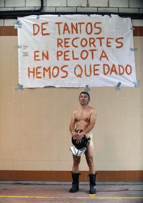 """""""Queremos apoyar a los compañeros que se van a manifestar esta tarde"""", explicó Piedra, añadiendo que sólo """"aquellos que descansan"""" participarán en las manifestaciones, no pudiendo los demás abandonar su puesto de trabajo."""