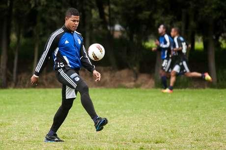 17 jugadores viajaron a Lima. Wason Rentería viaja este martes.