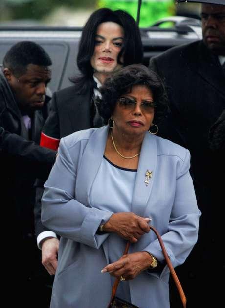 Katherine Jackson, madre de Michael Jackson, está con parientes en Arizona, dijeron las autoridades, el domingo 22 de julio de 2012.