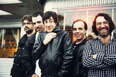 La banda uruguaya de rock alternativo El Cuarteto De Nos anunció en su página de Facebook su visita a Colombia para presentarse en el Festival Internacional Altavoz 2012 el 14 de octubre.