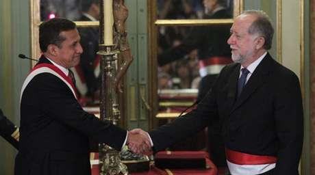 El ministro de Cultura, Luis Peirano, con el presidente Ollanta Humala.