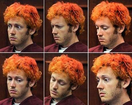 Las mil caras de James Holmes durante su primera aparición luego de la masacre.