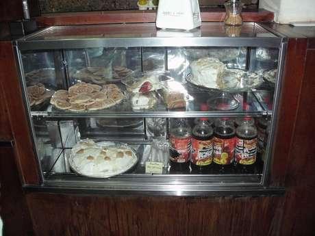 Doces, bolos, biscoitos, lanches e salgados custam entre R$1,60 a R$10,50