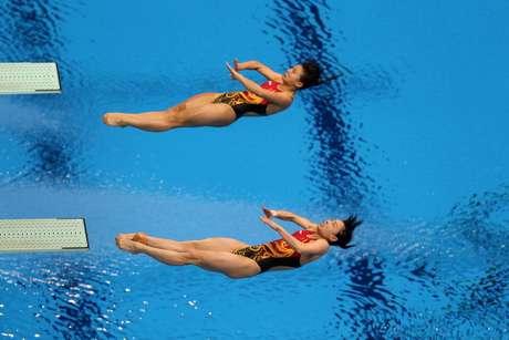Las chinas Wu Minxia y He Zi ganaron la medalla de oro de la prueba femenina de trampolín de tres metros sincronizado este domingo en los Juegos de Londres-2012.