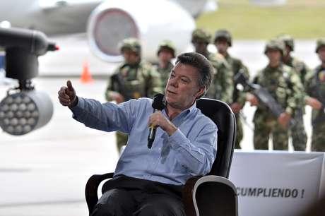 El presidente Juan Manuel santos afirmó que se ha descubierto que un solo interno en la cárcel puede extorsionar de 500 a 1.000 personas.