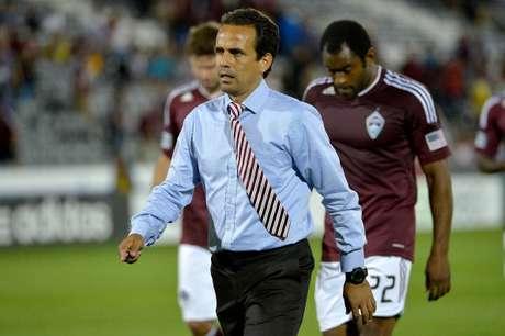 Óscar Pareja, decepcionado, tras una de las derrotas de los Rapids.