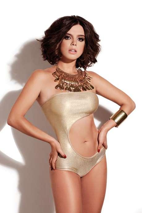 Giovanna Lancellotti é capa da revista 'Corpo a Corpo' de agosto
