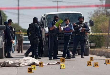 Ciudad Juárez, disputada por los cárteles de Sinaloa y de Juárez, registró el año pasado cerca de 2.000 homicidios y en 2010 la cifra superó los 3.100.