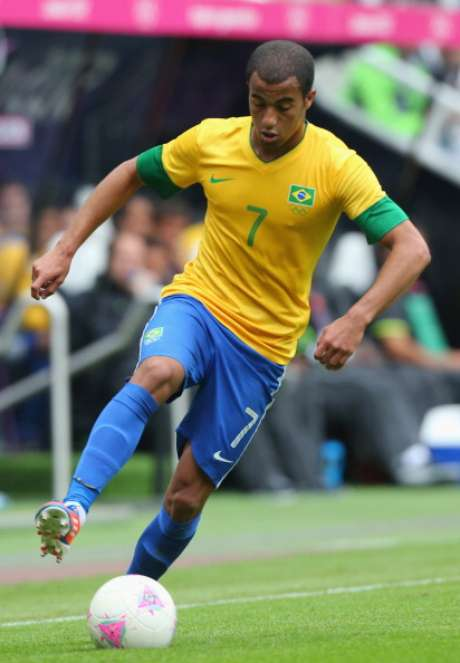 Lucas of Brazil controls the ball during the Men's Football first round Group C match between Brazil and New Zealand on Day 5 of the London 2012 Olympic Games at St James' Park on August 01, 2012 in Newcastle upon Tyne, England.