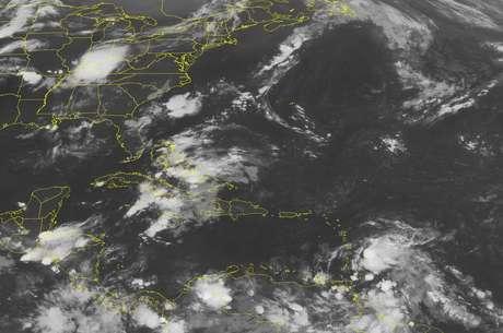 Una imagen del NOAA muestra la trayectoria de 'Ernesto'.