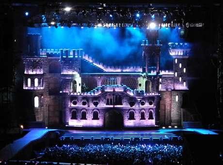 Así será el castillo que traerá Lady Gaga a Chile, el próximo 20 de noviembre