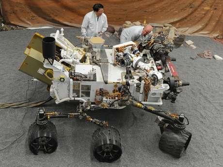 El robot Curiosity, que aterrizó con éxito en Marte tras un viaje de 567 millones de kilómetros, es el explorador móvil más complejo enviado por la Nasa al espacio.
