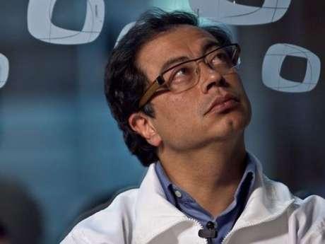 El alcalde de Bogotá, Gustavo Petro, fue internado nuevamente en la Clínica Santa Fe por orden médica.