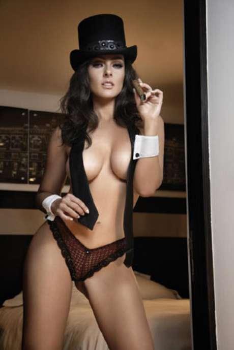 La hija de Andrés García vuelve a posar en poca ropa pero ahora para Playboy.