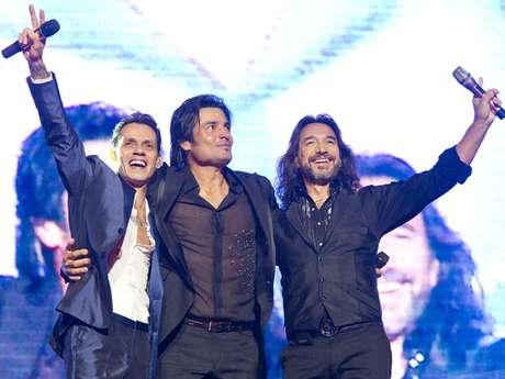 """Durante el show que ofrecieron en el IZOD Center de East Rutherford, Nueva Jersey, cantaron juntos """"I Need to Know"""", entre otros temas, terminando abrazados al final."""