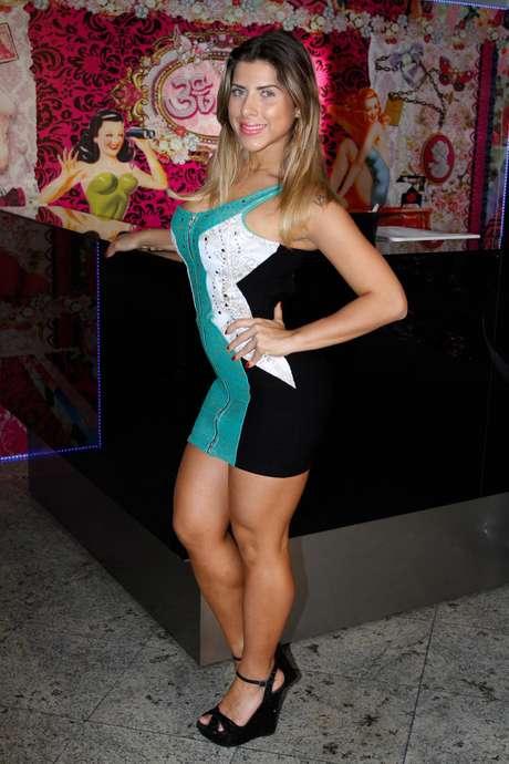Ana Paula Minerato Nude Photos 7