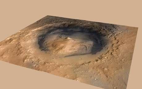 El robot de la agencia espacial estadounidense (NASA), el punto verde en la imagen, descendió en el cráter Gale y su objetivo es llegar al Monte Sharp, a 5,5km de altura con respecto al cráter.