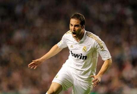Gonzalo Higuaín festeja uno de sus goles con el Madrid.