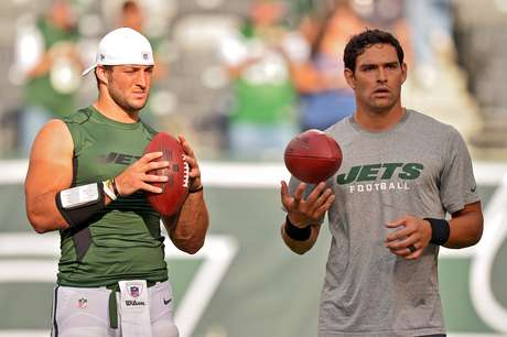 Neither Tim Tebow nor Mark Sanchez had much luck against the Super Bowl champs.