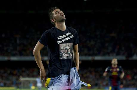 David Villa reacts very emotional after scoring in his first competitive match in 8 months