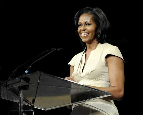 Desde abril, ella encabezó 73 eventos de recaudación de dinero, mientras su esposo luchaba para empatar los fondos multimillonarios de Romney.