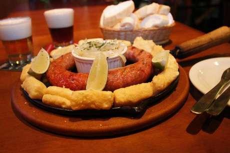 O conceito do evento é oferecer diferentes opções de porção, acompanhados de uma bebida, pelo preço único de R$ 25