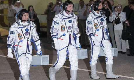Durante esta actividad, que tendrá lugar en la sede de la UNI, los cosmonautas rusos expondrán también sobre temas aeroespaciales y de comunicación satelital.