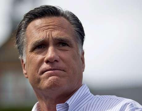 Romney le dijo que debería escuchar la recomendación de sus compañeros en el Congreso y presentar su renuncia.