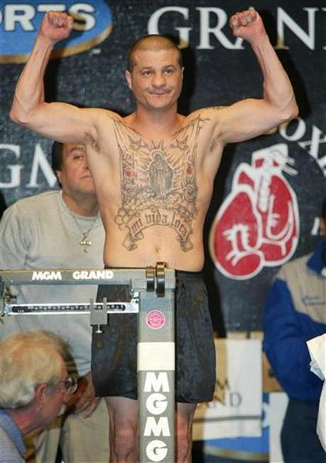 Featherweight boxer Johnny Tapia of Albuquerque, New Mexico, died of heart failure in May.