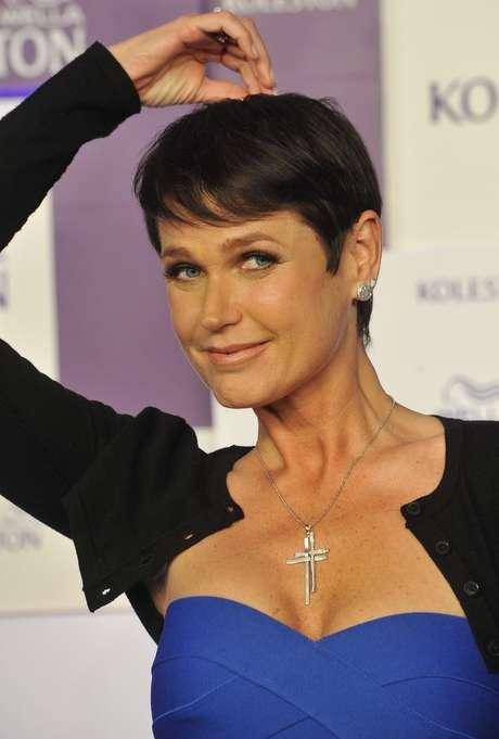 A mudança aconteceu durante o evento Hair Fashion Show, no Hotel Windsor, no Rio de Janeiro. Como parte do contrato, a apresentadora vai permanecer por seis semanas com a cor